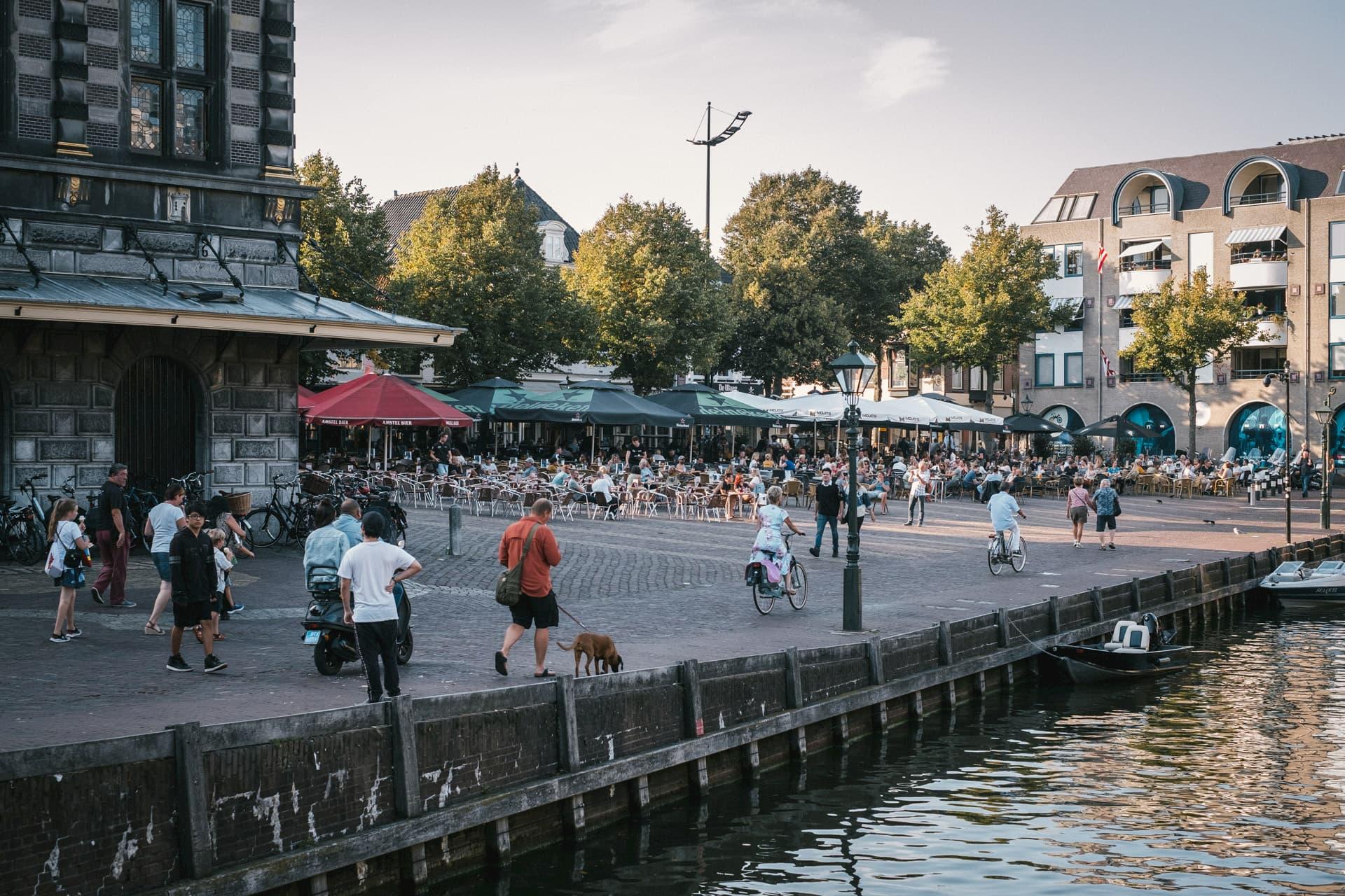 La Waagplein où a lieu le marché aux fromages