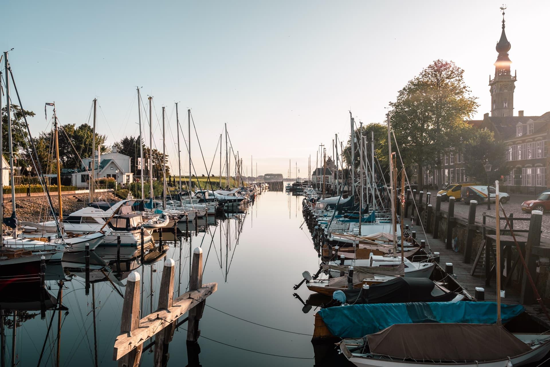 La marina en centre ville de Veere