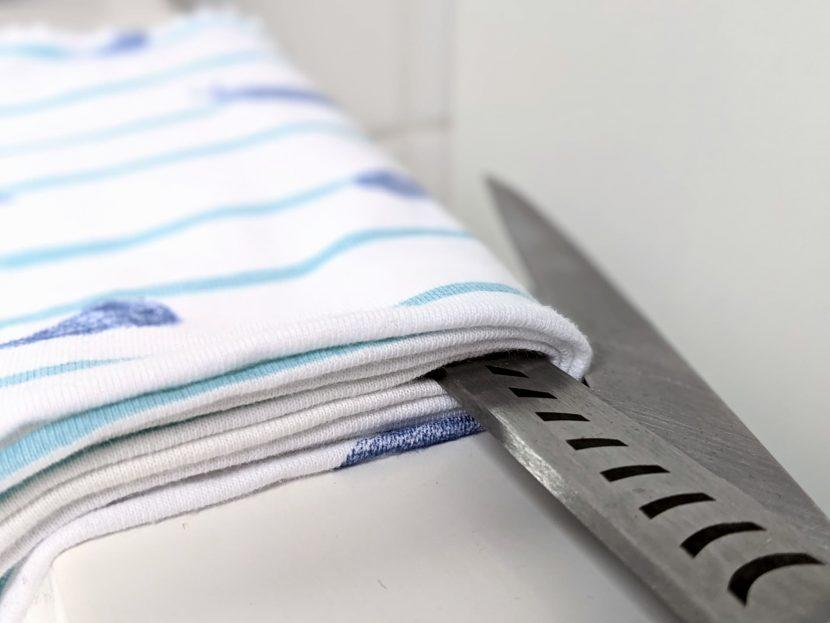 Faire des mouchoirs en tissu ne demande qu'une paire de ciseaux et 10 minutes
